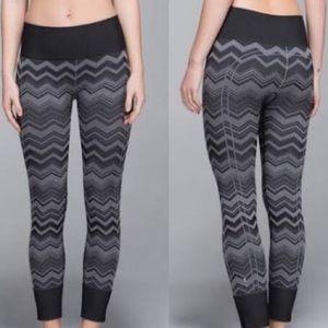 Lululemon ebb to street pant stripe  seamless 6